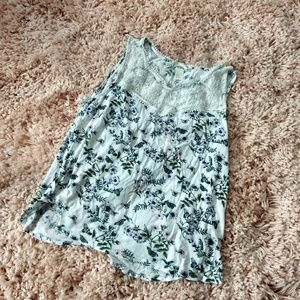 H&M Sleeveless Top White/Floral Size Medium